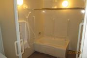 車椅子の方も使いやすいバスルーム